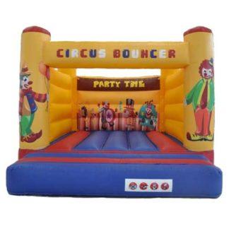 Cirkus hoppeborg måler kun 4 x 5 meter og er god underholdning til fest i Nordjylland